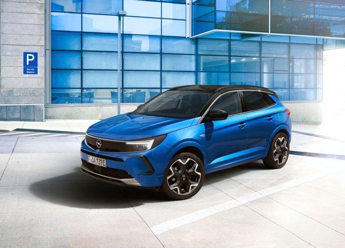 Opel Grandland обновился и «потерял» букву X