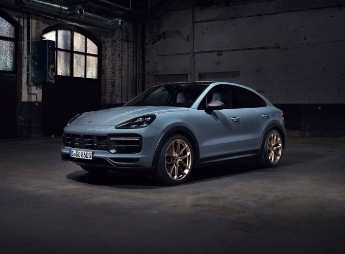 Самый быстрый Porsche Cayenne Turbo GT появится в России осенью