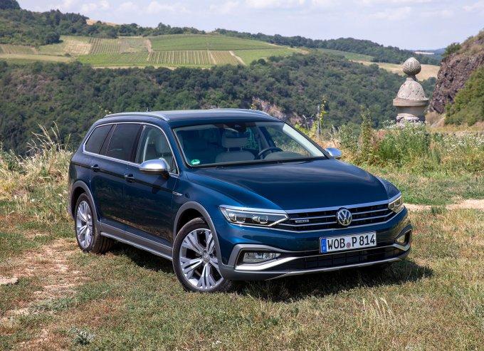 «Внедорожный» универсал Volkswagen Passat Alltrack появится в России