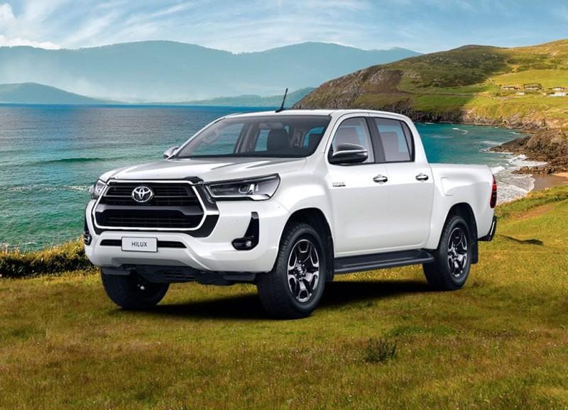 Toyota Hilux в новой версии «Престиж» с бензиновым двигателем появился в России